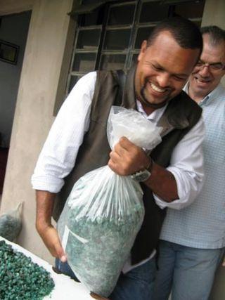 Blog Brazil emerald miners IMG_0941