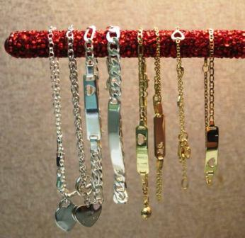 B Bracelets on Pen
