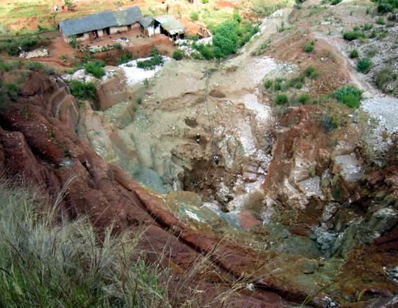 B Tsaramanga aqua mine