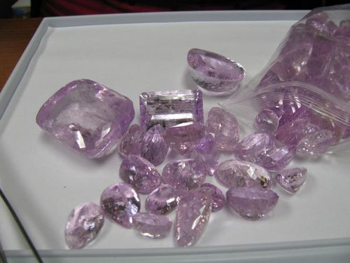 Kunzite Huge JTV Gem Expo World Tour 2011