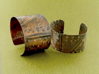 Anat_folded_cuffs